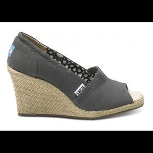 TOMS Taupe Espadrille Wedge Size W5